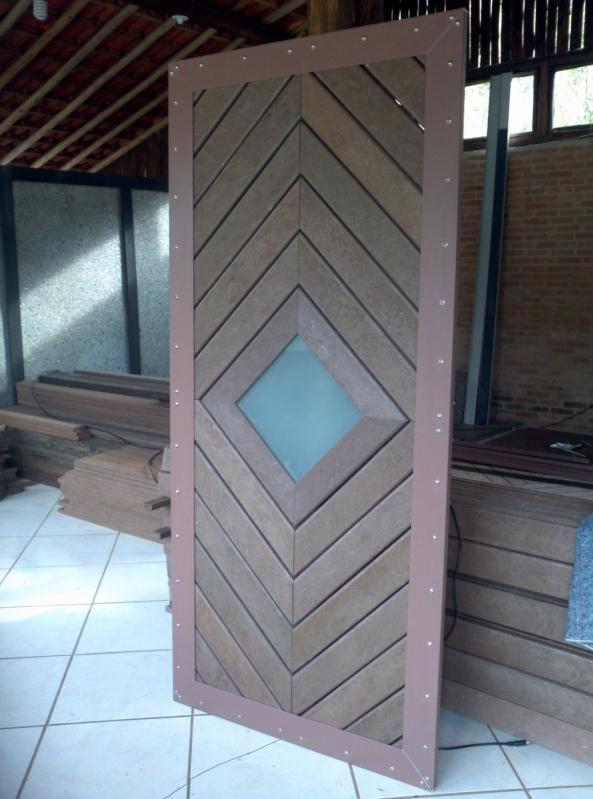 Deck de Madeira Plástica para Parede Raposo Tavares - Deck para Parede em SP