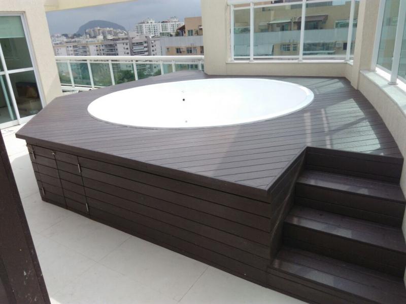 Piso deck para piscina em s o paulo rewood for Material para piscina
