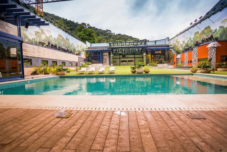 Piso de Madeira para Deck de Piscina na Vila Prudente - Piso Deck de Plástico para Piscina