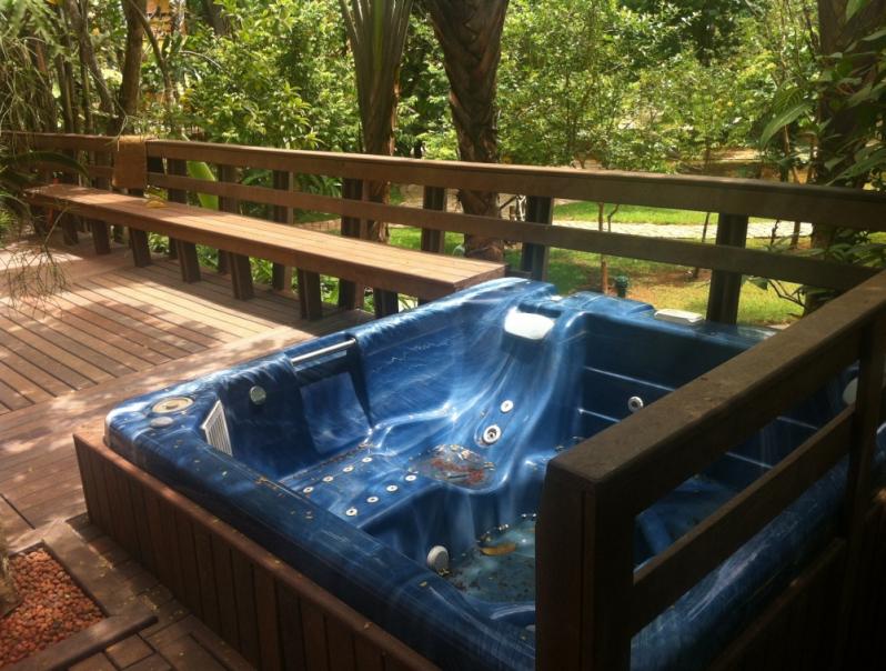 Piso Deck de Madeira Plástica para Spa Preço em Jundiaí - Deck para Spa em SP