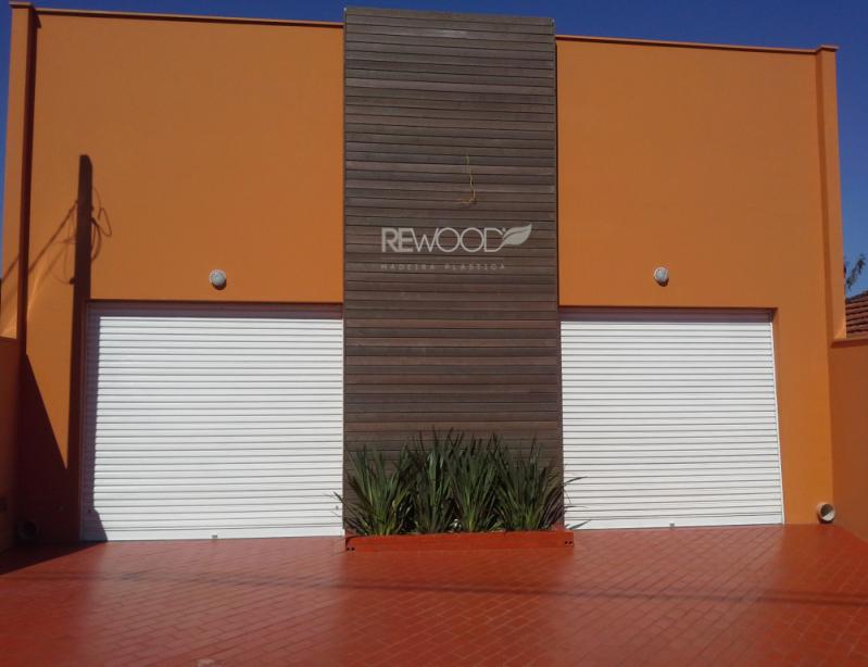 Revestimento de Fachada de Madeira Ecológica Preço em Mairiporã - Empresa de Fachada Ecológica