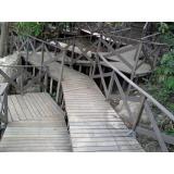 deck de madeira área externa na Cidade Jardim