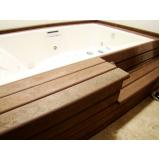 deck de madeira plástica para spa em Araçatuba