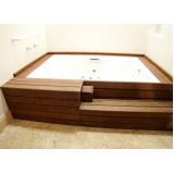 deck de madeira para spa