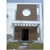 fachada de madeira de plástico Condomínio Veigas