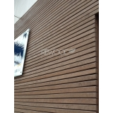 fachada de madeira deck no Campo Belo