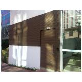 fachada de madeira exterior em Interlagos