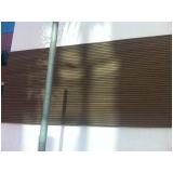 fachada de madeira plástica no Manaus
