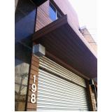 fachada em madeira plástica na Bela Vista