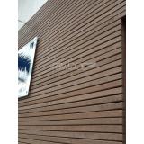 fachada revestimento madeira no Jardim Presidente Dutra