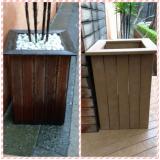 lixeira de madeira reciclável