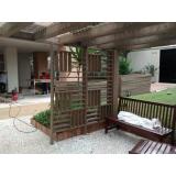 pergolado de madeira de plástico Jardim Bonfiglioli