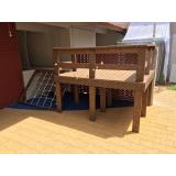 piso em deck de madeira Picanço