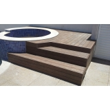 quanto custa deck de madeira para piscina redonda na Franca
