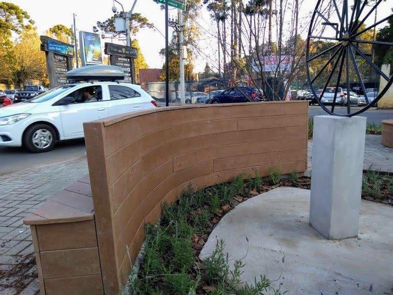 Cachepot madeira plastica