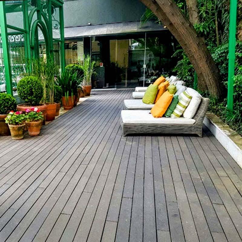 Deck em madeira Rewood Cor Natural linha Rustik com régua de 10cm