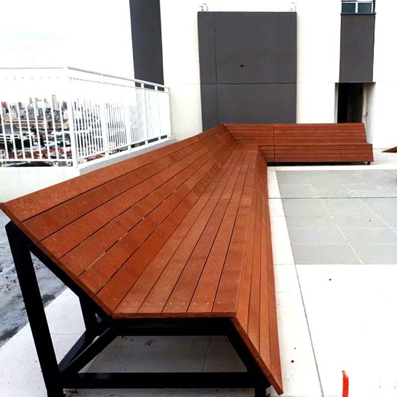 Outras Aplicações em  Banco em madeira Rewood com estrutura metálica cor Canyon Linha Finis