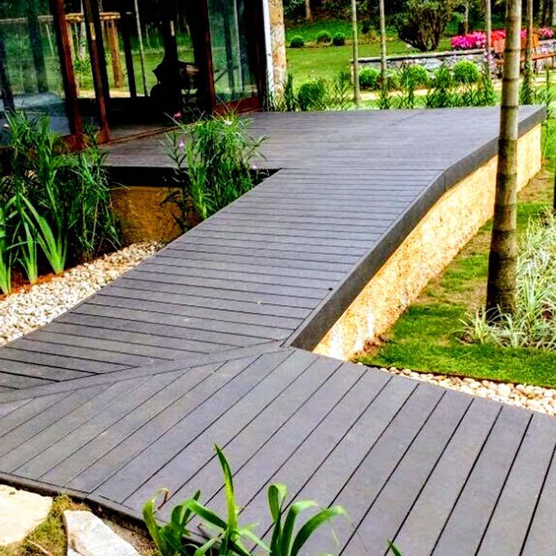 Deck em madeira Rewood Cor Tabacco linha Rustik com réguas de 10cm